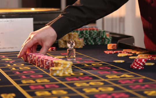 Casino Online Terpercaya - Dealer Casino - How to be A Dealer